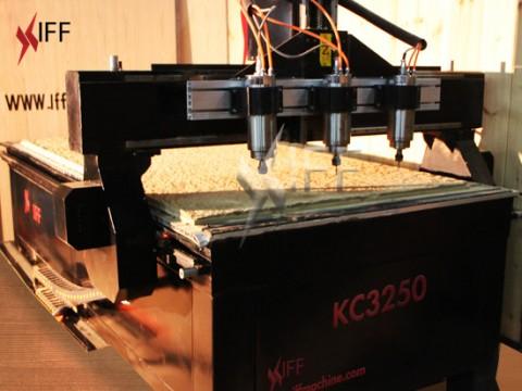 KC3250 ماكينة سي ان سي راوتر  نقش و حفر و قص  ٣ رؤوس   قوة ٣ كيلو واط التجهيزات المبتكرة
